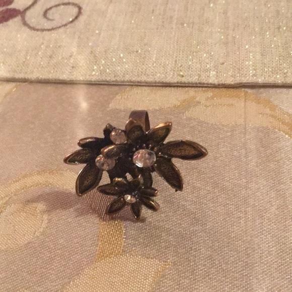 Jewelry - Flower Ring